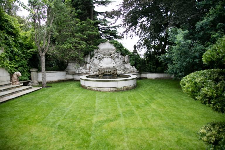 Baroque fountain limestone, 2012