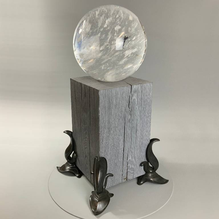 This beautiful and original lamp is the perfect size to stand on the floor or a table